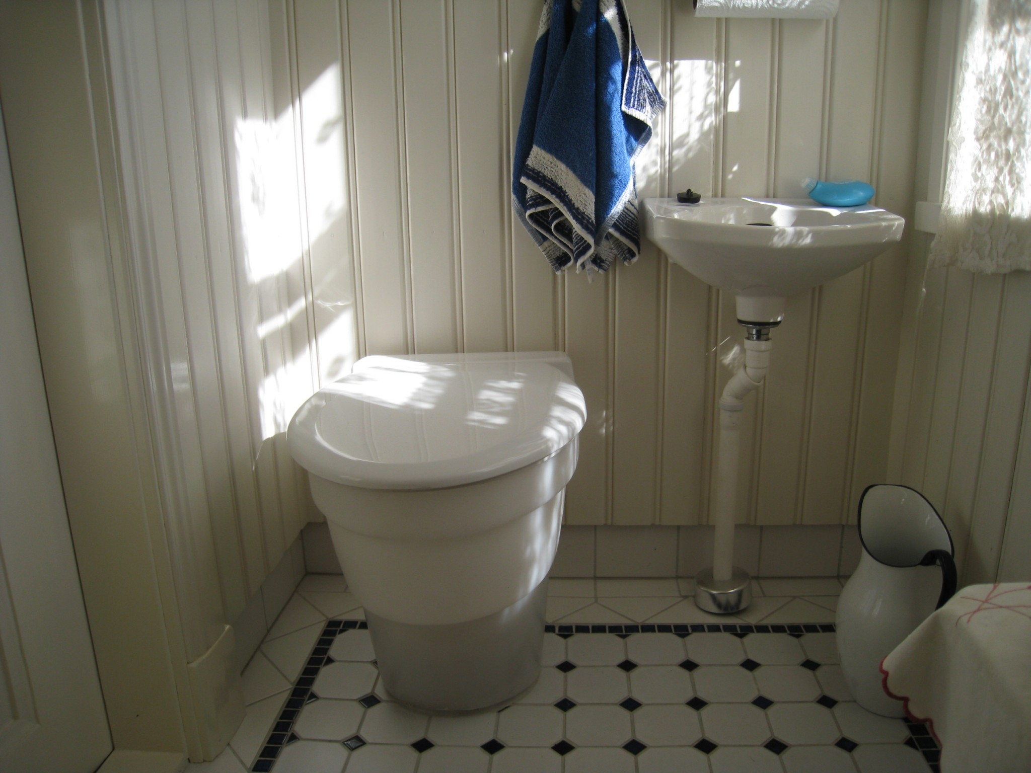 Elegant Old Fishermanu0027s House In The Archipelago Is Enlarged With Indoor Composting  Toilet In The House